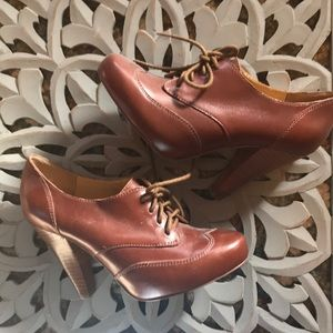 Seychelles lace-up booties/pumps